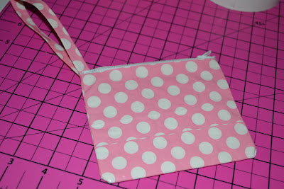 Duct Tape, Wristlet, Tutorial, Pink, Polka Dots, DIY, Crafts, Make It Yourself