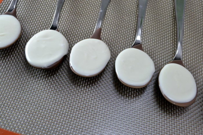 White chocolate filled spoons