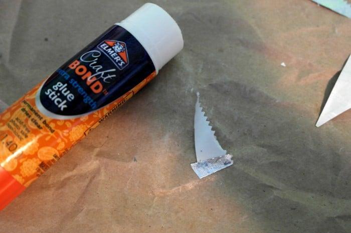 Glue stick traingles and bend corner. #shop
