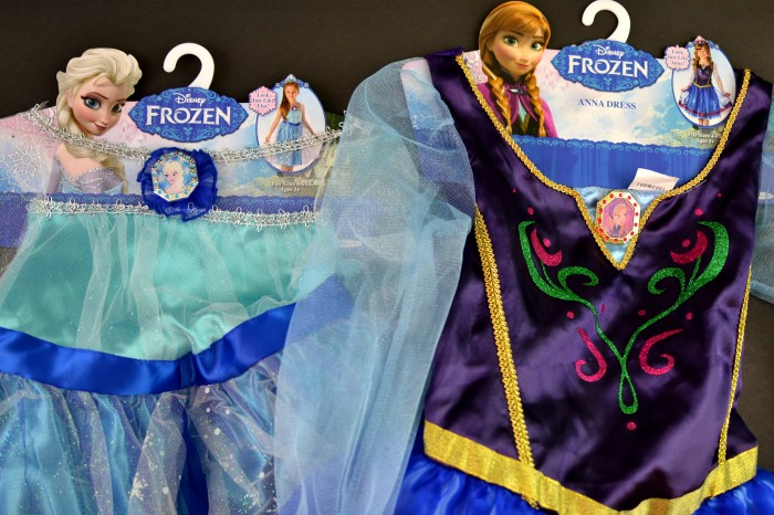 Anna and Elsa Dress Up #FROZENFun #shop
