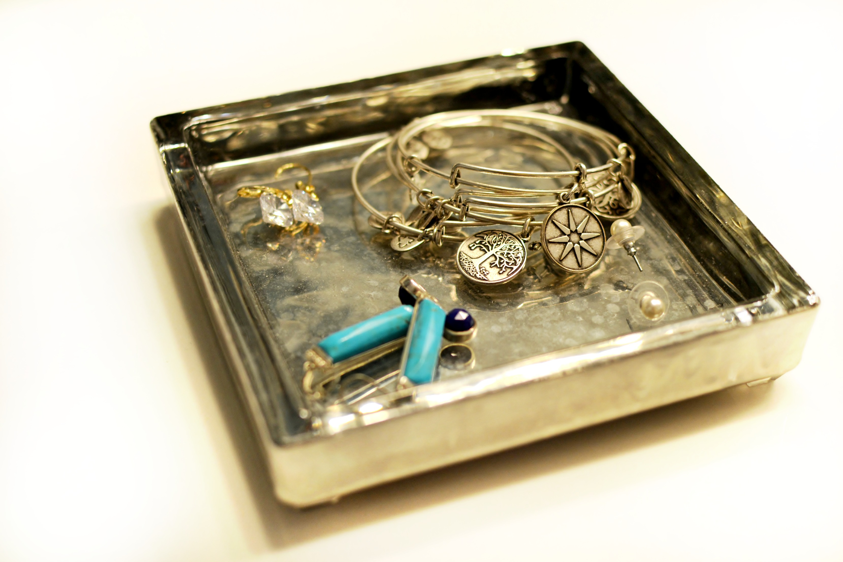 Completely new Mercury Glass Jewelry Tray - As The Bunny Hops® SW38
