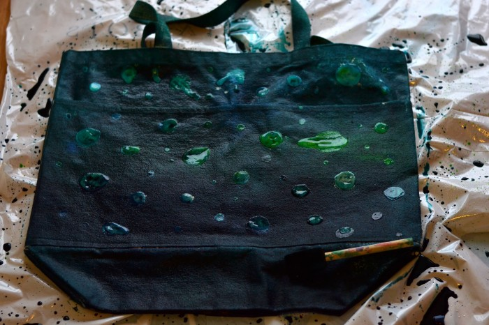 Bag wet with Dye