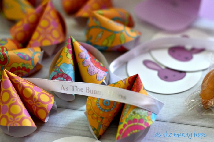 Make paper fortune cookies to use as business cards and stand out from the crowd!