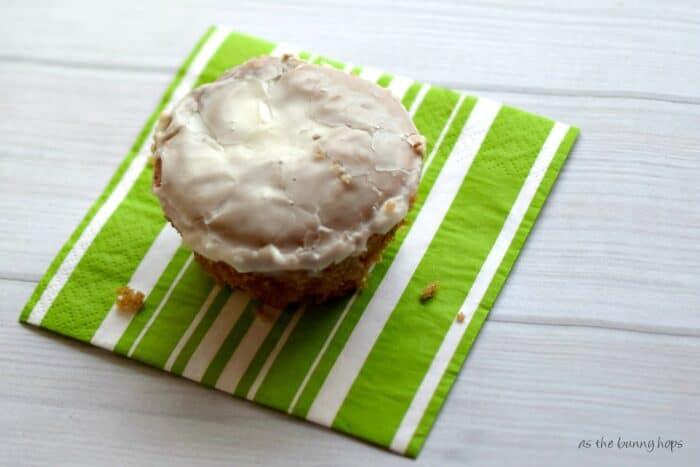 Easy to make mini honey bun cakes!