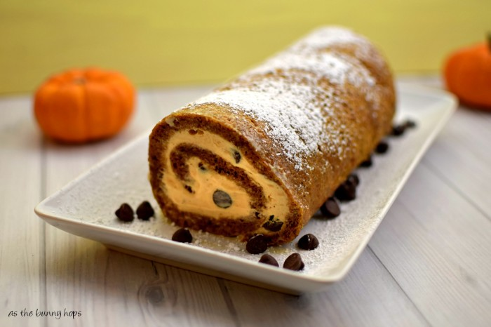 You'll love this chocolate chip pumpkin ice cream roll!  #Feast4All #shop