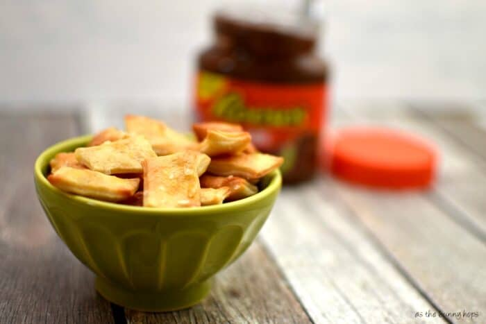 Pretzel Chips with Reese's Spread