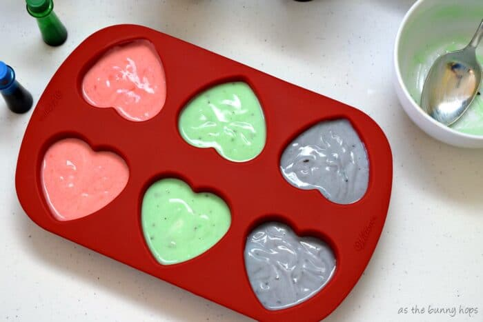 It's easy and fun to make frozen yogurt conversation hearts for Valentine's Day! #mullermoment #ad