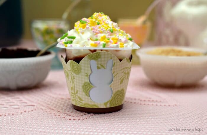 Create a Shabby Chic Easter Party featuring Snack Pack pudding! #SnackPackMixins #ad
