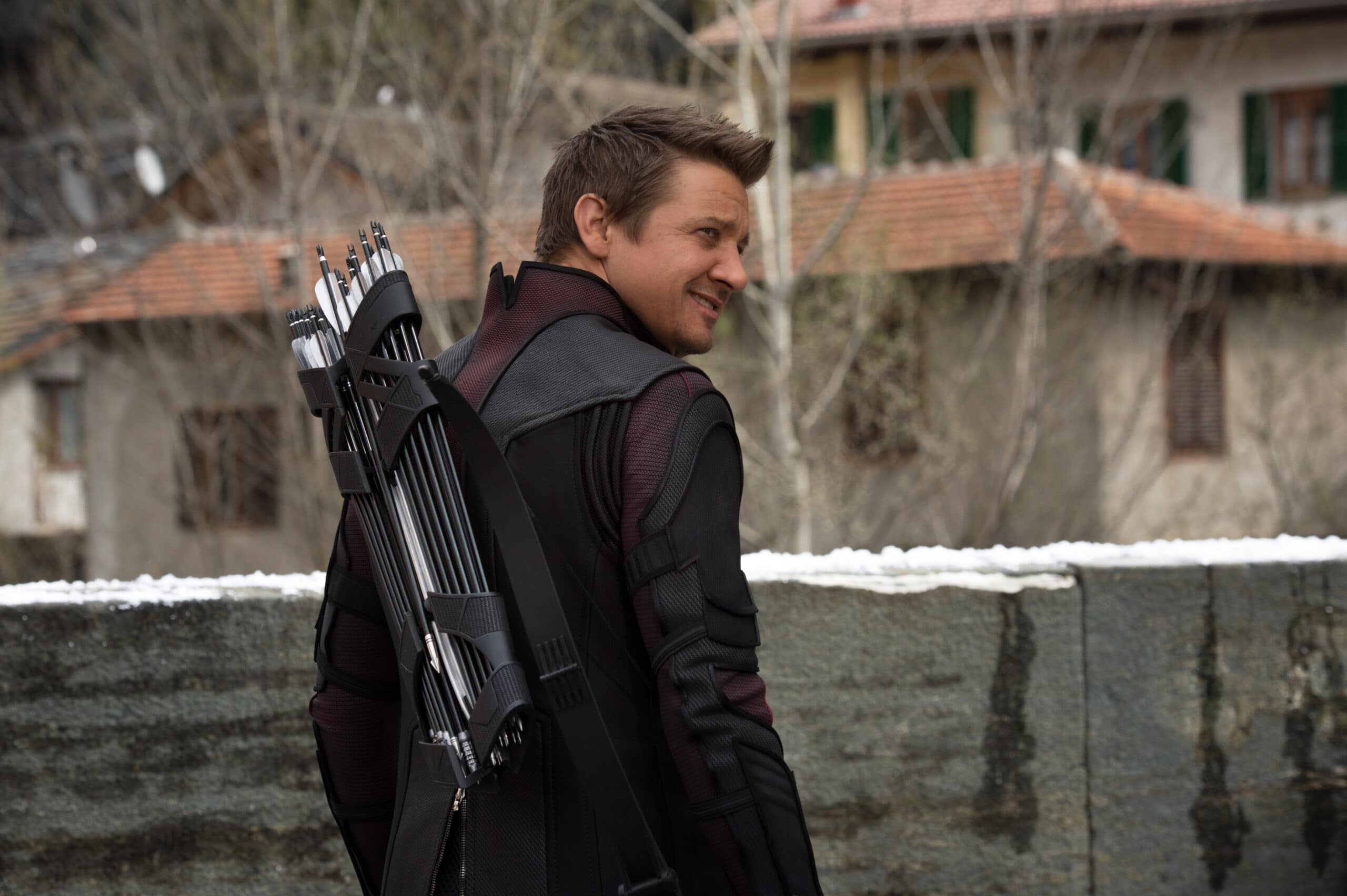 renner chat sites Wind river stars jeremy renner and elizabeth olsen chat with yahoo movies about drama from writer-director taylor sheridan (hell.