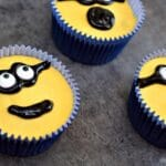 Minion Apple Cakes