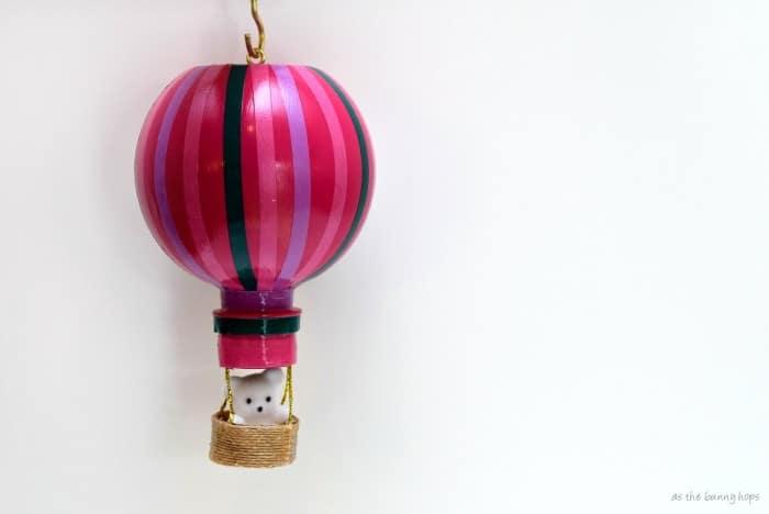 Bear in Balloon