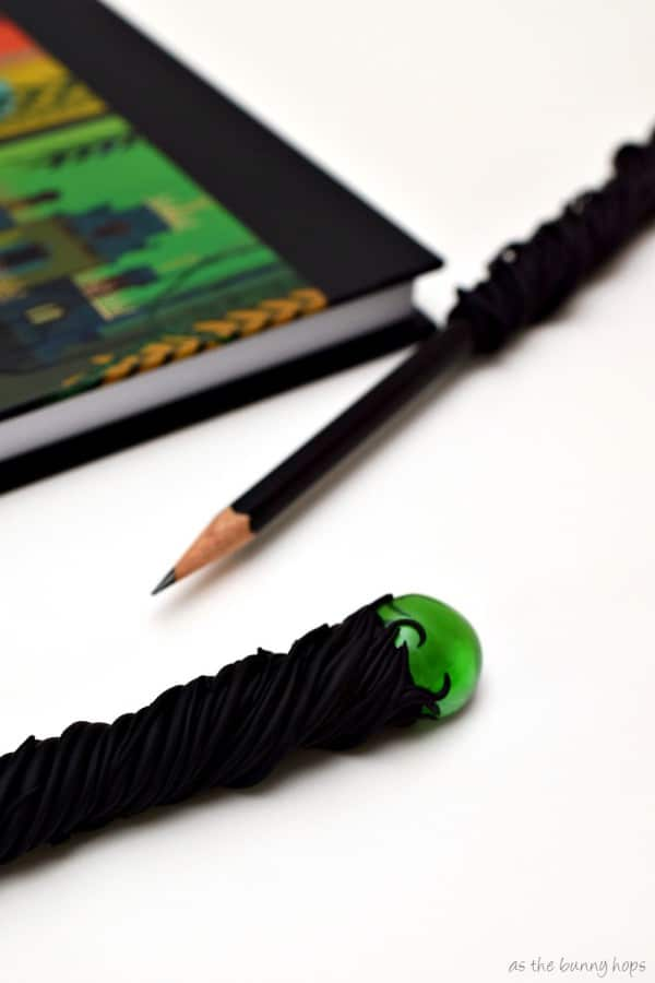 Maleficent Staff Pencils Vert