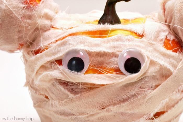 Glue Googly Eyes