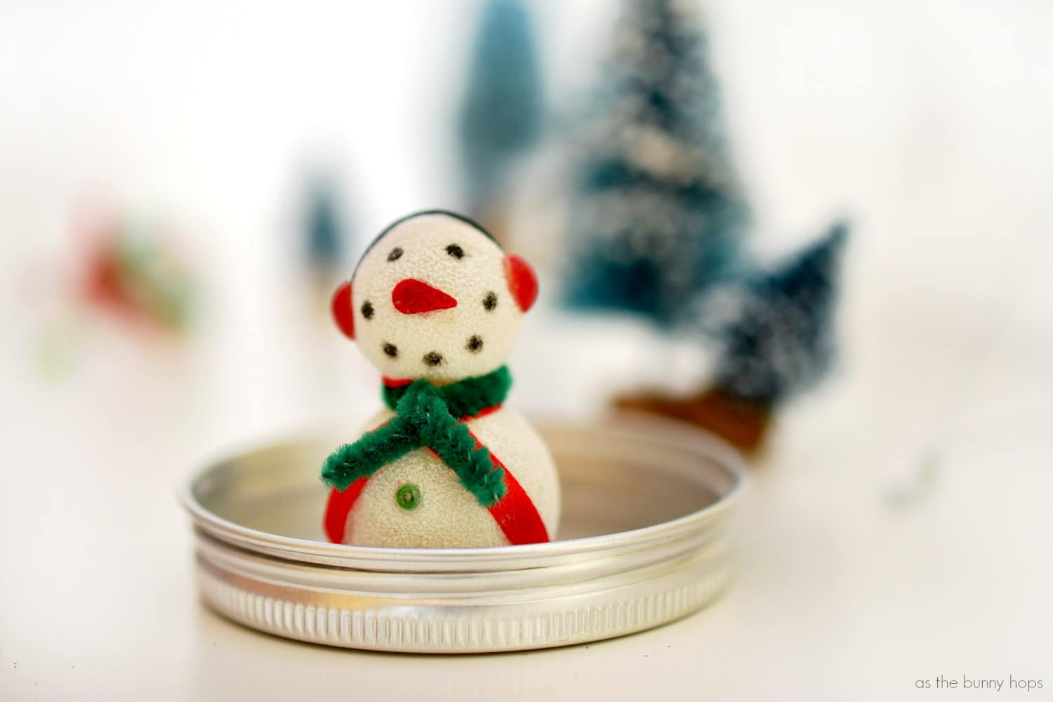 Bristle brush ornaments - Once You Ve Figured Out Placement Use Glue Dots To Hold Everything On The Lid Of The Ornament