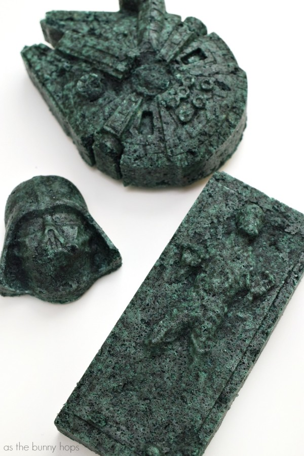 The Force can be with you-even in your bath-with these easy to make Star Wars bath bombs!