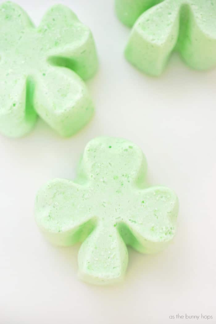 Celebrate St. Patrick's Day with easy to make Shamrock Bath Bombs!
