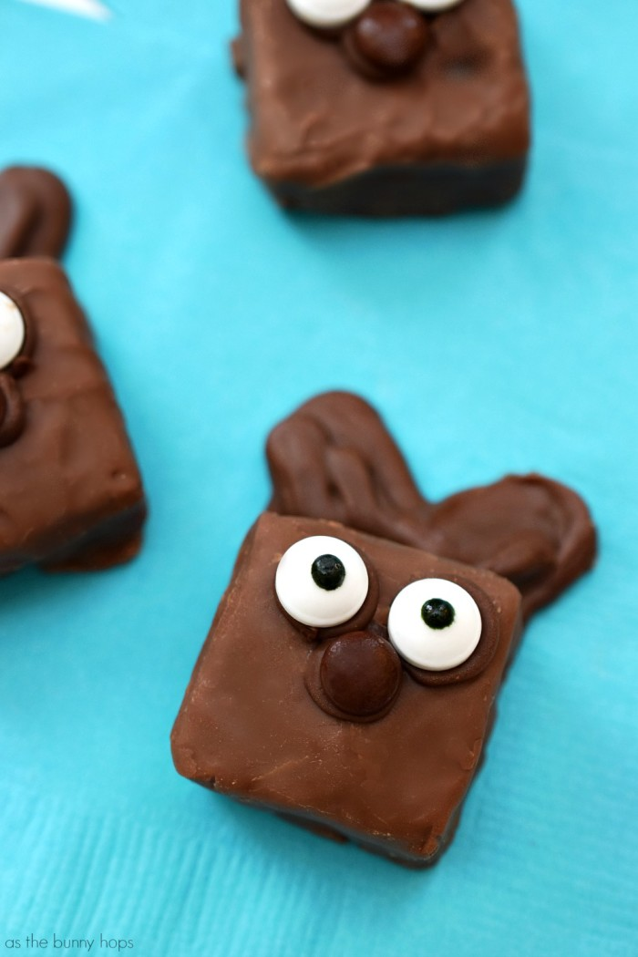 Easy Snickers Bunnies