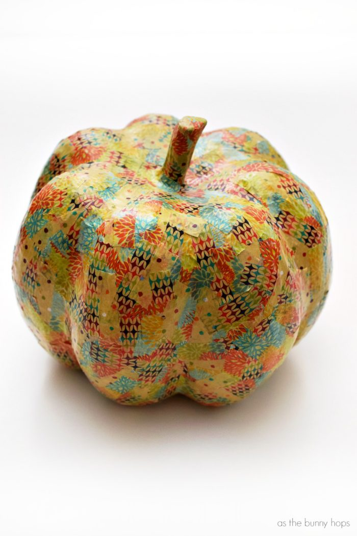Get ready for fall with easy to make washi tape pumpkins!