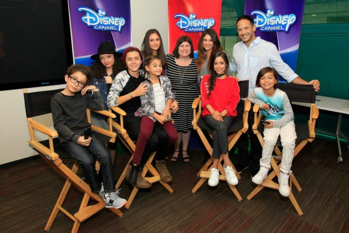 They're one big family! Get a behind the scenes look with the cast of Stuck In The Middle.