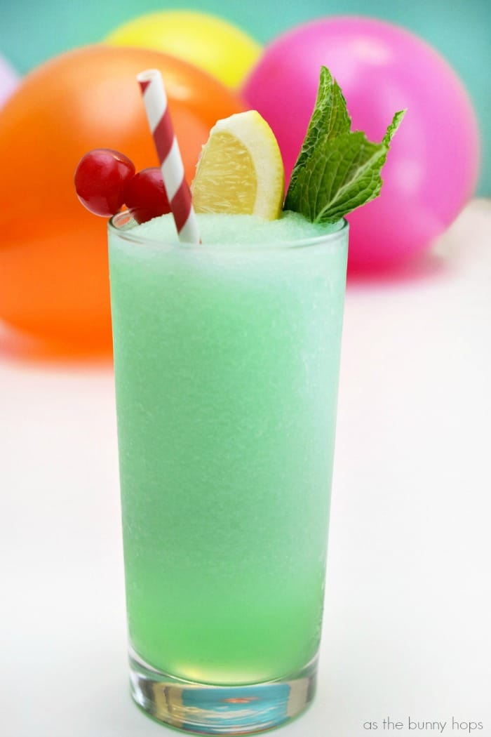 Blend up a delicious batch of Disneyland-inspired Mint Julep slushes!