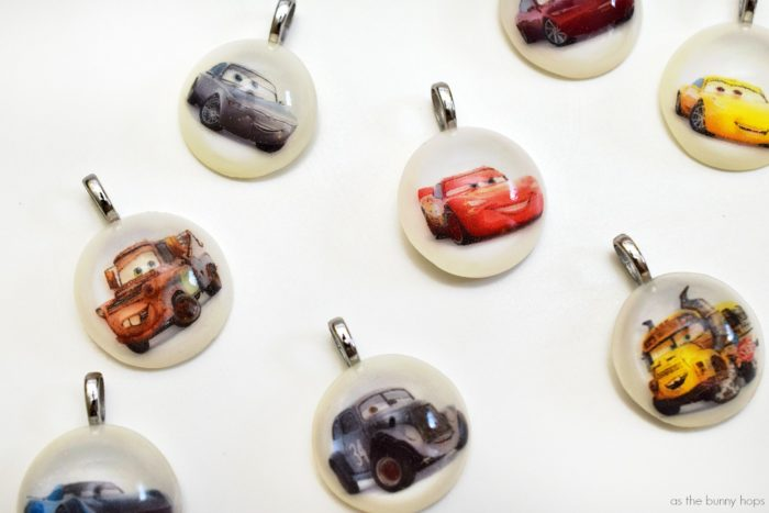 Make Cars 3-inspired charms with resin and my printable template!