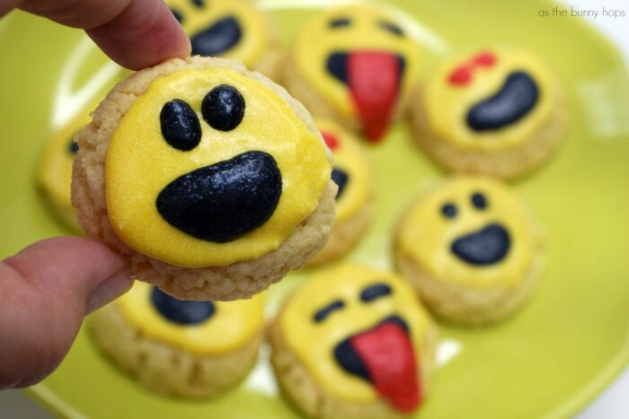 Can you make Emoji Cookies with no cookie decorating skills?