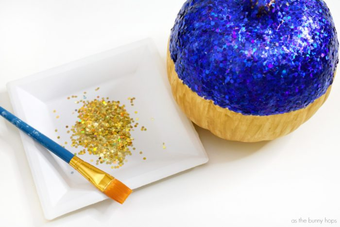 This glittery DIY Snow White pumpkin is the fairest Halloween decoration of them all!