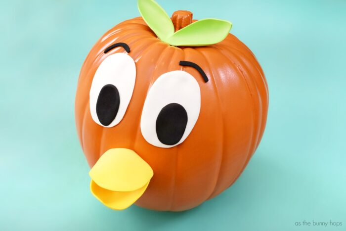 Celebrate the classic Magic Kingdom character this Halloween with a DIY Orange Bird Pumpkin!