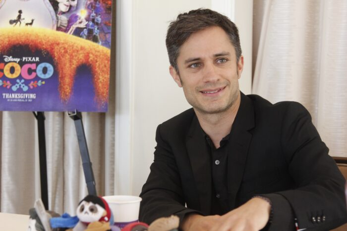 Gael García Bernal discusses is own Day of the Dead celebrations, what it was like to work with his daughter and more in this exclusive Pixar's Coco interview!