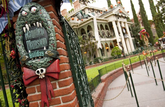 Find out why the holidays are better when you spend them at Disneyland!