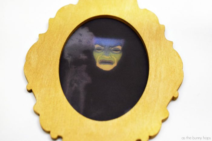 Mirror, mirror on the wall, make the fairest decoration of them all when you create a Snow White-inspired Magic Mirror Christmas ornament!