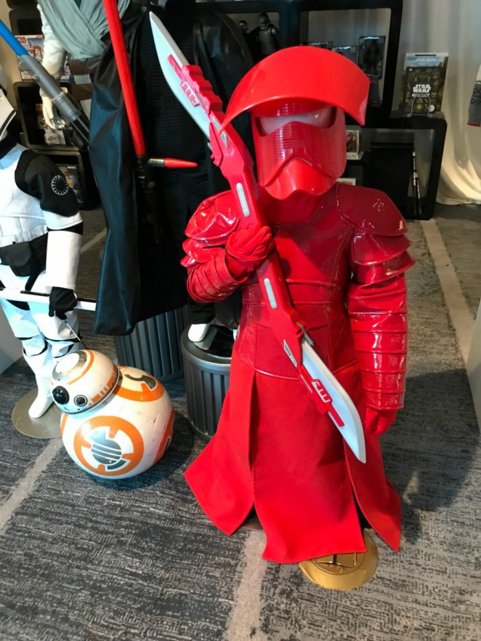 We had a full day of fun at the Star Wars: The Last Jedi press junket! Here's a little bit of what happened.